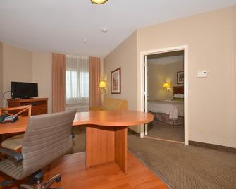 Candlewood Suites Clarksville - Clarksville - Bedroom