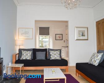 Woodlea Apartment - Tighnabruaich - Huiskamer