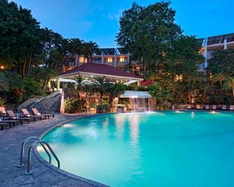 Sheraton Presidente San Salvador Hotel - San Salvador - Alberca