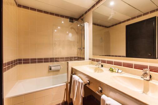 Expo Hotel Valencia - Valencia - Bathroom