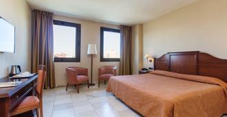 Expo Hotel - Valencia - Bedroom