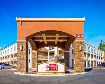 Best Western Plus Rancho Cordova Inn - Rancho Cordova - Gebäude