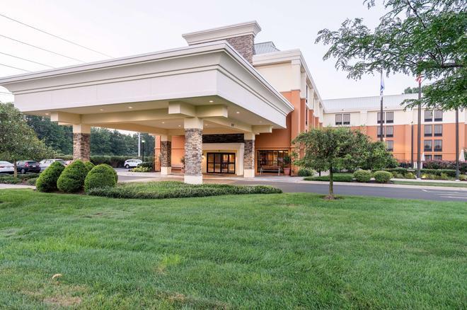 Comfort Inn & Suites Newark - Wilmington - Newark - Toà nhà