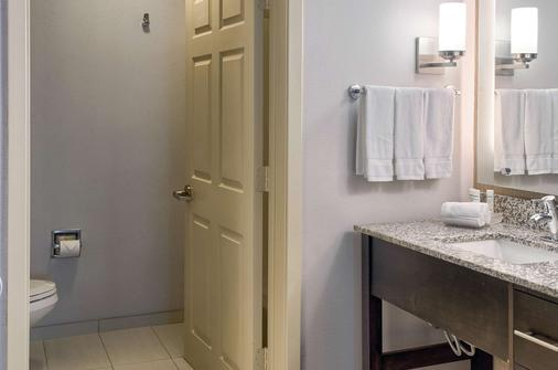 Homewood Suites Mobile Airport-University Area - Mobile - Bathroom