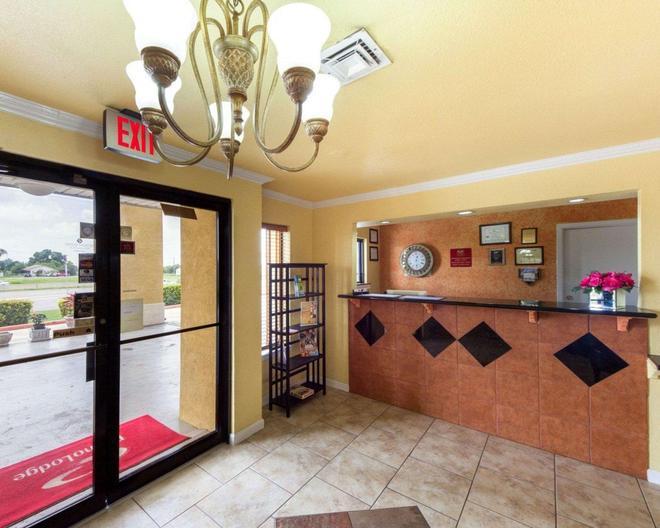 Econo Lodge Inn & Suites Downtown Northeast - Сан-Антонио - Ресепшен