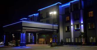 Best Western PLUS Prien Lake Inn & Suites - לייק צ'ארלס