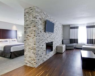 Home Inn and Suites Regina Airport - Regina - Edificio