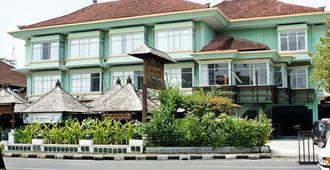 The Studio Inn Nusa Dua - South Kuta - בניין
