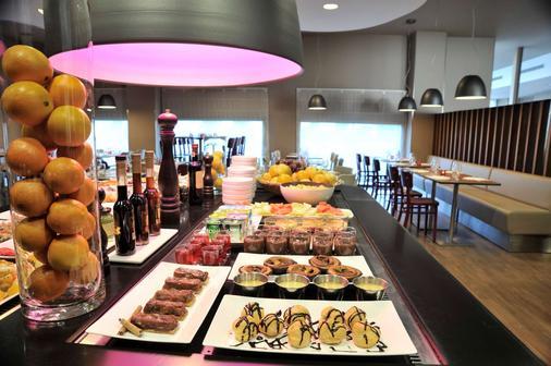 馬拉加機場鐘樓酒店 - 馬拉加 - 馬拉加 - 自助餐