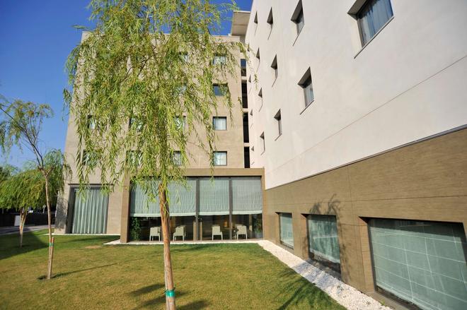 Hotel Campanile Málaga Aeropuerto - Málaga - Toà nhà
