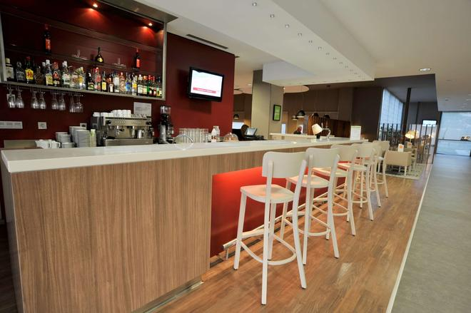 Hotel Campanile Málaga Aeropuerto - Málaga - Bar