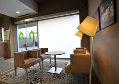 馬拉加機場鐘樓酒店 - 馬拉加 - 馬拉加 - 大廳