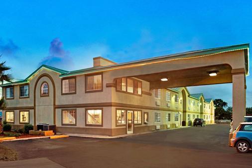 Days Inn by Wyndham San Antonio Airport - San Antonio - Toà nhà