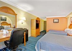 Days Inn by Wyndham San Antonio Airport - San Antonio - Phòng ngủ