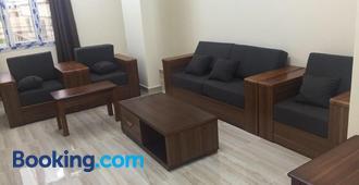 Al Noor Saadah Furnished Apartments - Салала