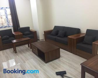 Al Noor Saadah Furnished Apartments - Salalah - Sala de estar