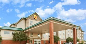 Super 8 by Wyndham Edmonton South - Edmonton