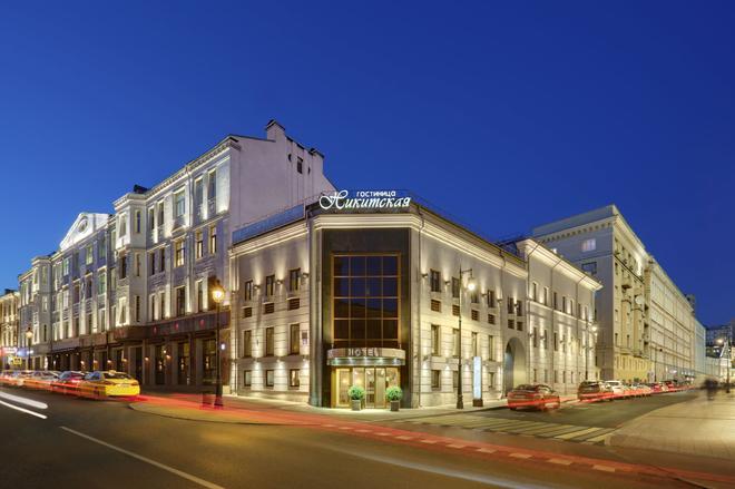 Assambleya Nikitskaya - Moscow - Building