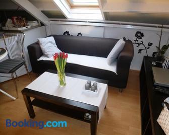 Room in Oss - Oss - Living room