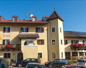 Gasthof Zur Sonne - Lajen - Building