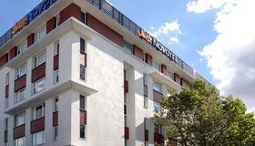 Novotel Suites Clermont-Ferrand Polydome - Clermont-Ferrand - Bâtiment