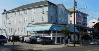 Ocean Breeze Hotel - Ocean City - Building