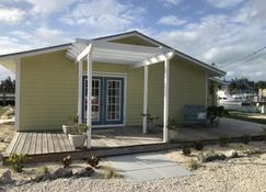 Waterfront, Family Friendly, Bahamian Retreat with Dock - West End - Building