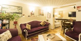 Levanten Hostel - Istanbul - Living room