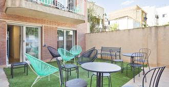 Casa Barcelo Camp Nou Hostel - Hospitalet de Llobregat - Patio