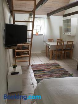 Dyrlev Bed & Breakfast - Præstø - Dining room