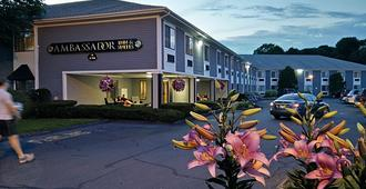 Ambassador Inn and Suites - South Yarmouth - Bygning