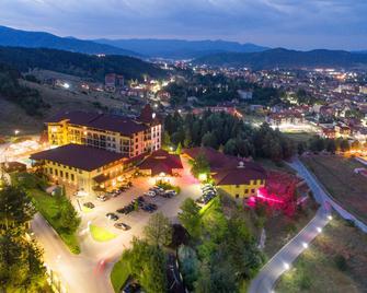 Grand Hotel Velingrad - Velingrad - Venkovní prostory