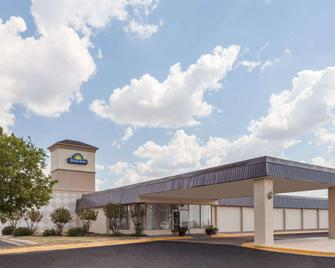Days Inn by Wyndham Hillsboro TX - Hillsboro - Building