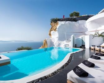 Andronis Luxury Suites - Oia - Pool