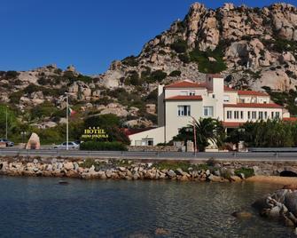 Hotel Nido D'aquila - La Maddalena - Building