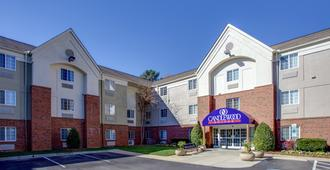 Candlewood Suites Raleigh Crabtree - Raleigh - Building