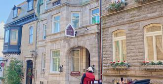 Le Chateau de Pierre - Québec City