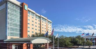 Embassy Suites by Hilton Charleston Airport Convention Ctr - North Charleston - Toà nhà