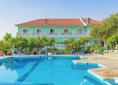 Evelin Hotel - Pythagorio - Κτίριο