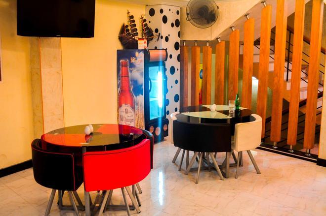 Saasha City Hotel - Colombo - Lobby