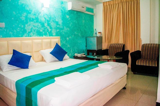 Saasha City Hotel - Colombo - Bedroom