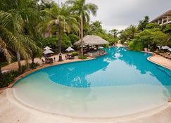 Ravindra Beach Resort & Spa - Pattaya - Pool