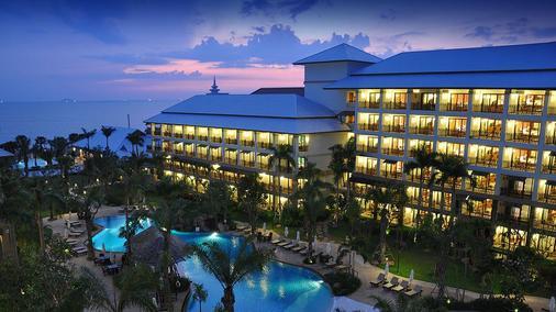 Ravindra Beach Resort & Spa - Trung tâm Pattaya - Toà nhà