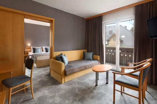 Ramada Resort by Wyndham Kranjska Gora - Kranjska Gora - Olohuone