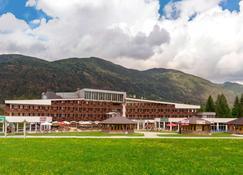 Ramada Resort by Wyndham Kranjska Gora - Kranjska Gora - Building