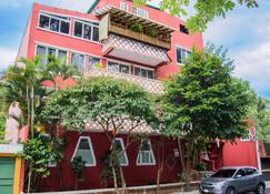 Eco Suites Uxlabil Guatemala City - Guatemala City - Bina