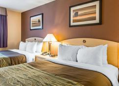 Quality Inn & Suites - Loveland - Bedroom