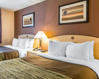 Quality Inn & Suites - Loveland - Bedroom