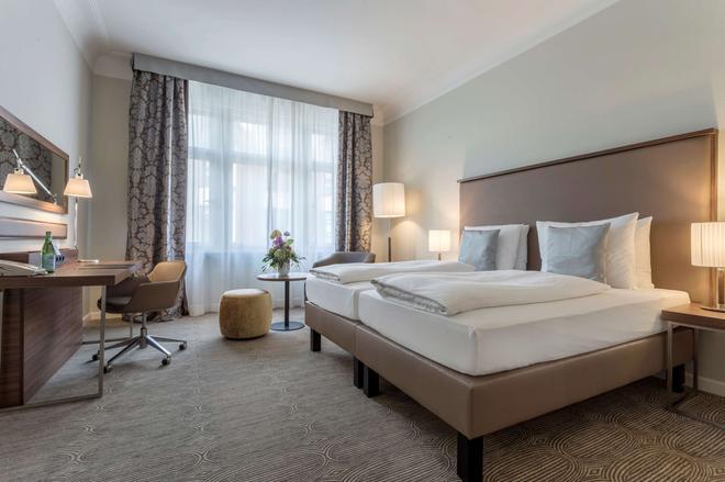 Radisson Blu Schwarzer Bock Hotel Wiesbaden - Wiesbaden - Bedroom