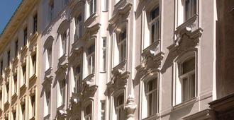 Graben Hotel - Vienna - Building